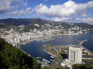 Only just over an hour away from Tokyo and Yokohama! Enjoy the Onsen in Atami surrounded by the sea and the mountains