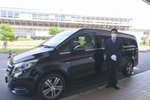 Infection control measures of COVID-19 for charter vehicle (minivan)